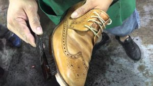 How to find a good repair to fix issues of your leather shoes?