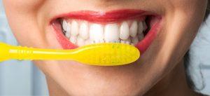 3 effective ways to whiten your teeth